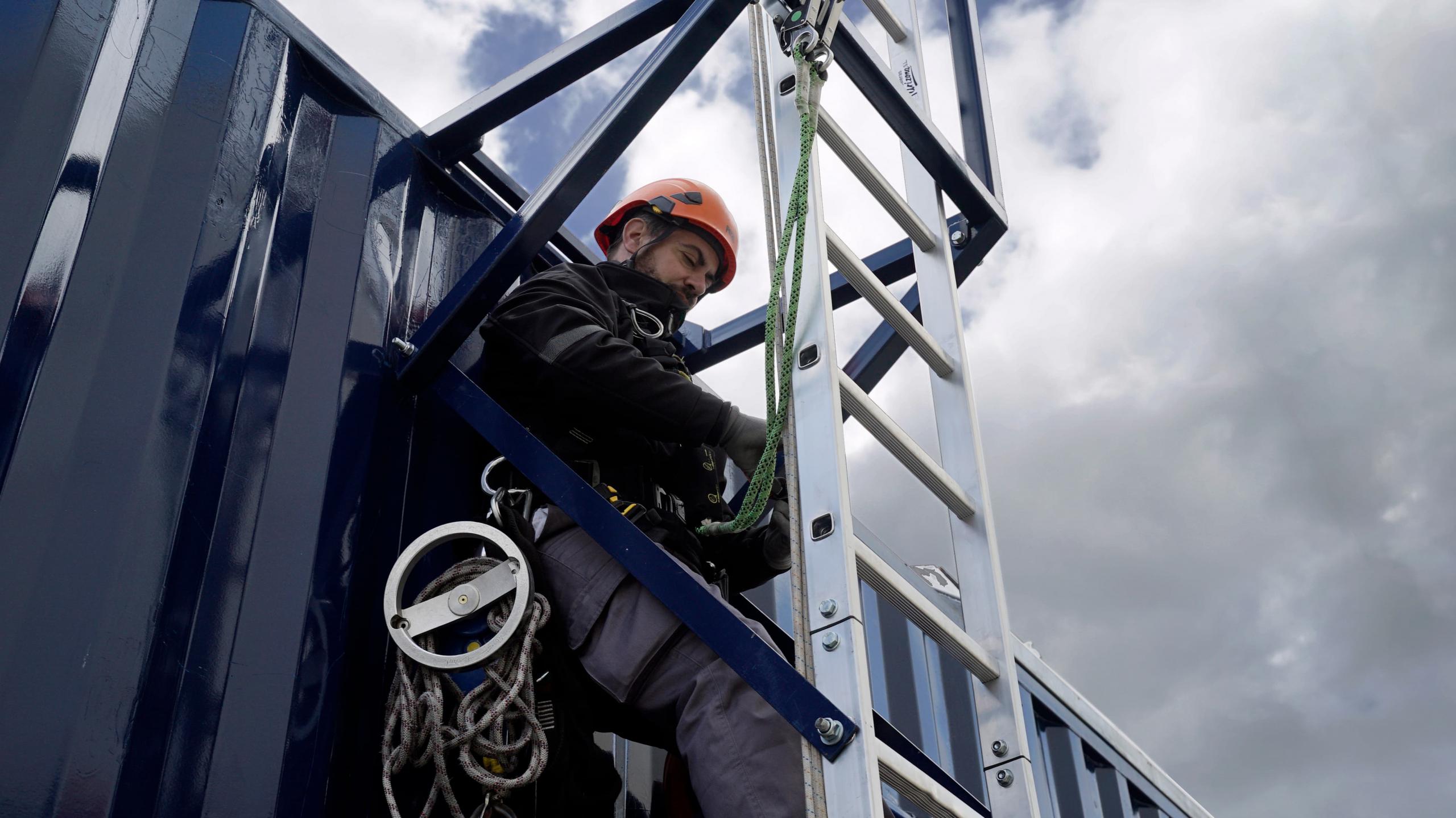 Rescate escalera GWO Tesicnor