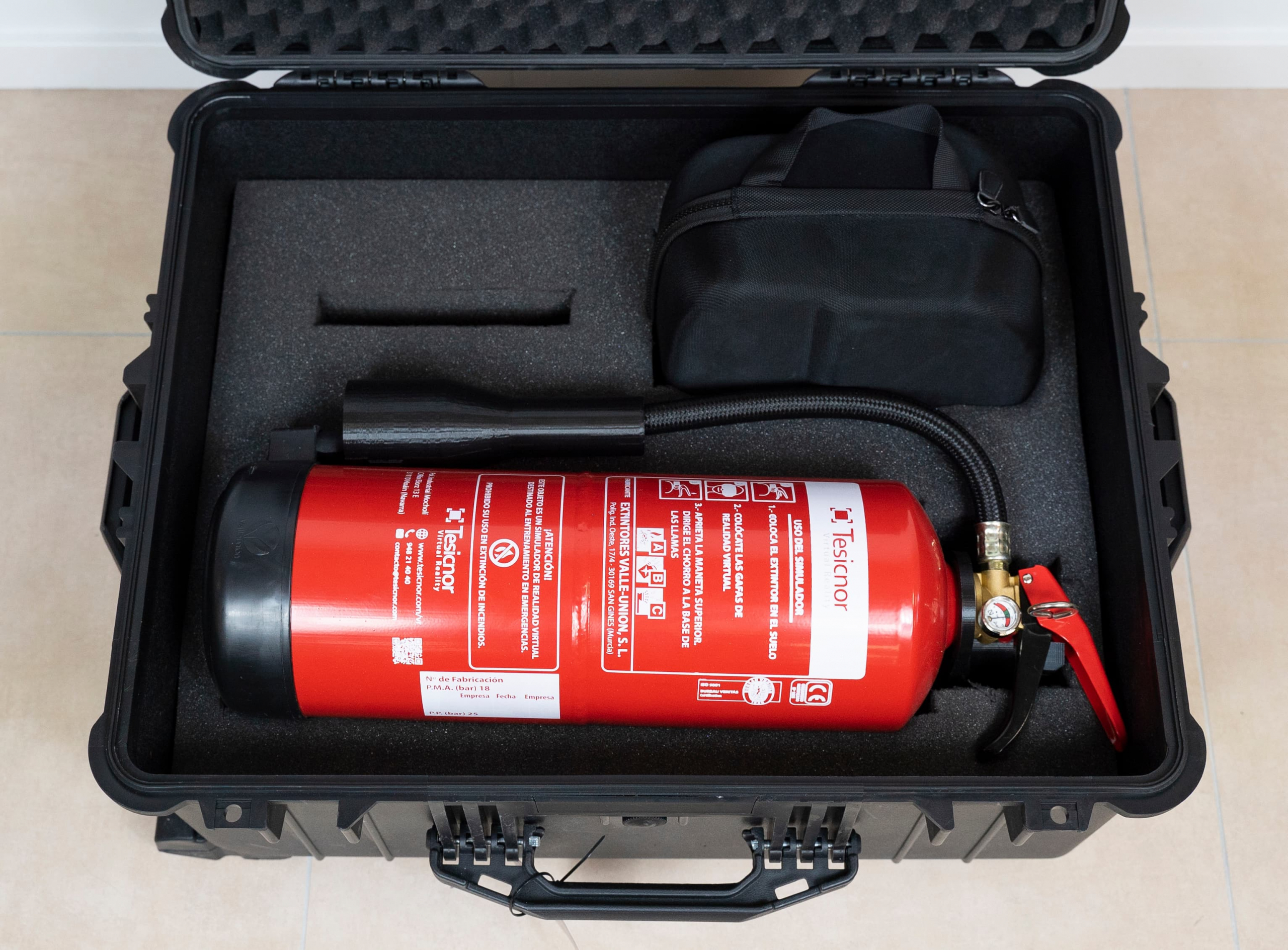 fire extinguisher VR luggage